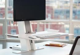 Chcete ergonomické výškově nastavitelné pracoviště a přitom se nechcete zbavovat současného stolu?